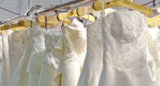 هزینه خشک شویی لباس عروس در آمریکا